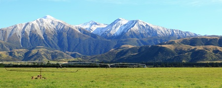 panaramic of great southern alpine alps in New Zealand Stock Photo - 9365450