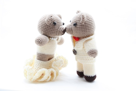 playthings: couples of bride and groom bears kiss and getting married isolated on white Stock Photo