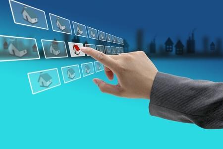 vendiendo: Nueva propiedad en el mercado inmobiliario con el concepto de comercio electr�nico Foto de archivo
