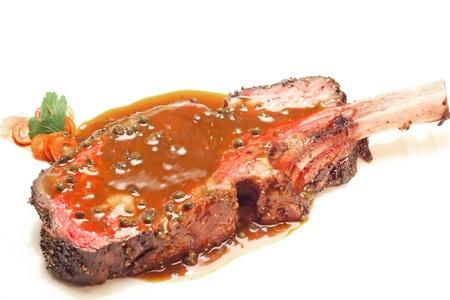 rib: Gourmet Plato principal Plato principal a la parrilla de carne Wagyu bistec con salsa de pimiento picante