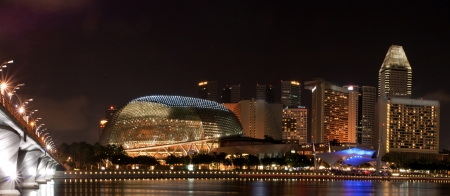 esplanade: Panorama of Singapore skyline with Esplanade public theatre ay night