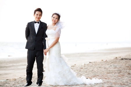 anniversary beach: happiness and romantic Scene of love couples partners wedding on the Beach