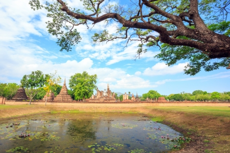 sukhothai:  Wat Mahathat Temple ruin in Sukhothai historical park, the old town of Thailand in 800 years ago