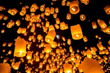 chiang mai: Flying Sky Lantern on Yeepeng festival, thai lanna tradition religion in Chiangmai thailand Stock Photo