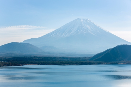 highest: Mountain Fuji fujisan with Motosu lake at Yamanashi Japan Stock Photo
