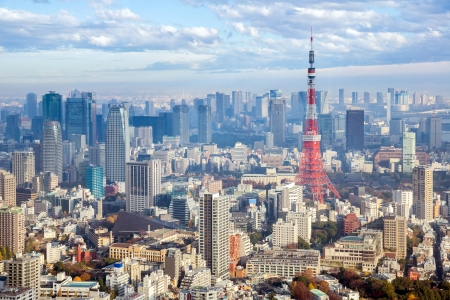Tokyo Tower mit Skyline in Japan Standard-Bild - 24411836