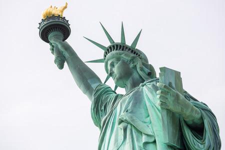 Die Statue of Liberty in New York City Standard-Bild - 28068679