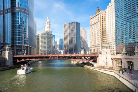 illinois river: City of Chicago downtown and River with bridges
