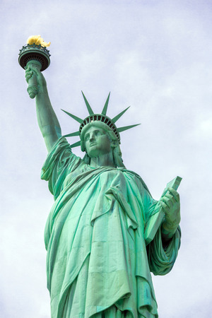 The Statue of Liberty in New York City 版權商用圖片 - 29944866