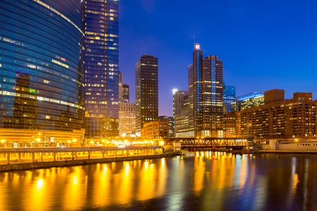 sears: City of Chicago downtown and River with bridges at dusk
