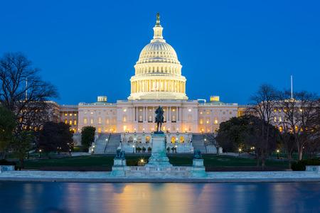 US Capitol Building at dusk, Washington DC, USA Foto de archivo