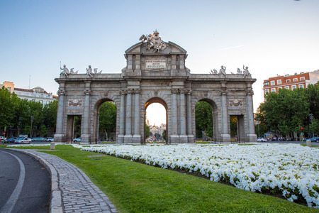 Puerta de Alcala in the Plaza de la Independencia , a neo-classical monument at Independence Square in Madrid, Spain.