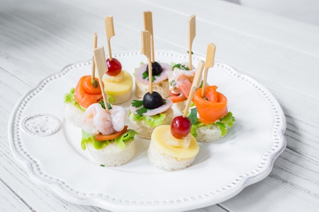 Seafood cocktail bread party decoration photo