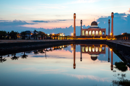 islamic scenery: Central mosque with reflection at dusk, Songkhla, Thailand Stock Photo