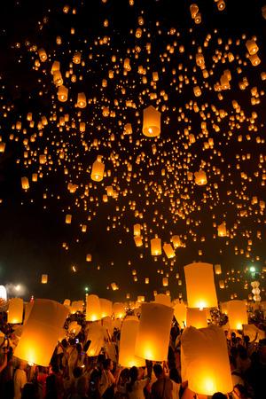 Flying Sky Lantern on Yeepeng festival, thai lanna tradition religion in Chiangmai thailand 写真素材