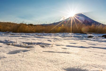 mt fuji: Mountain Fuji Diamond sunrise in winter