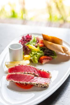 potato tuna: grilled tuna salad with bread