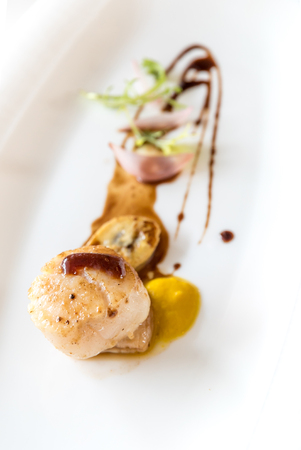 st jacques: Grilled fried scallop, gourmet japanese cuisine.