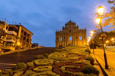 Macau Ruïnes van St. Paul's. Gebouwd van 1602 tot 1640, een van de bekendste herkenningspunten van Macau. In 2005 werden ze officieel vermeld als onderdeel van het historische centrum van Macau, een UNESCO-werelderfgoed. China Stockfoto