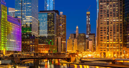 Panorama shot of City of Chicago downtown and Chicago River sunset night in Chicago Illinois USA. 版權商用圖片
