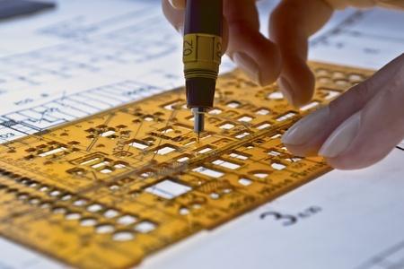 dibujo tecnico: plan arquitect�nico, t�cnico del proyecto, dibujo t�cnico cartas, cerrar en plan arquitect�nico, arquitecto en el trabajo