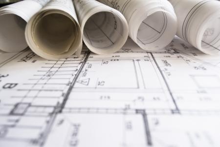 plan arquitectónico, técnico del proyecto, dibujo técnico cartas, cerrar, arquitecto en el trabajo, divisor tendido sobre el plan de arquitectura, planificación de diseño de interiores en papel---más en mi cartera