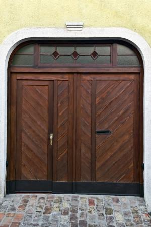 house home garage wooden door Stock Photo - 17130241