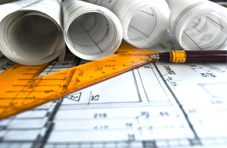 albañil: Rollos y Planes del arquitecto del proyecto