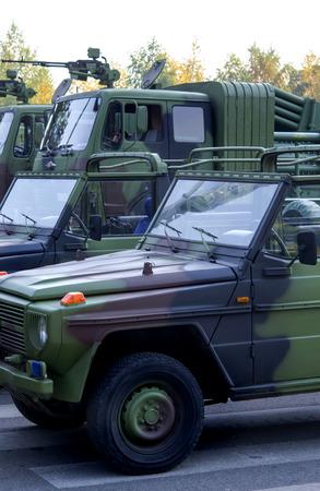 four wheel drive: military vehicle