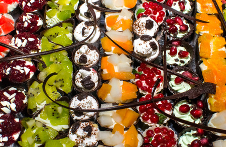 뷔페에서 과자 음식 맛있는 미니어처 케이크