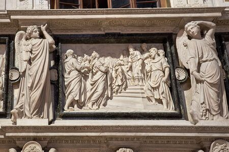 A work of art carved stone figures in the shape of angels, look like a picture Banque d'images - 129383496