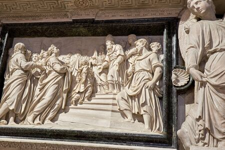 A work of art carved stone figures in the shape of angels, look like a picture Banque d'images - 129383503