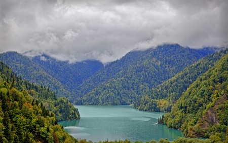 majestic mountain: majestic mountain lake