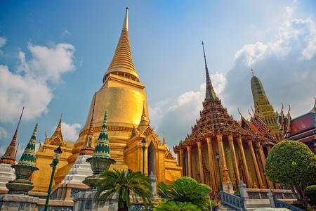 Famouse  Bangkok   Temple -  photo