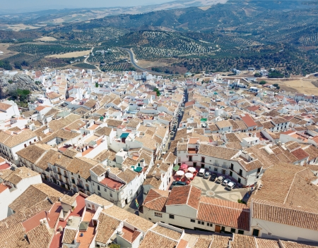 blanco: Olvera is a white village  pueblo blanco  in Cadiz province, Andalucia, Spain   Stock Photo