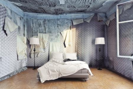 lit de luxe à l'intérieur abandonnée Banque d'images