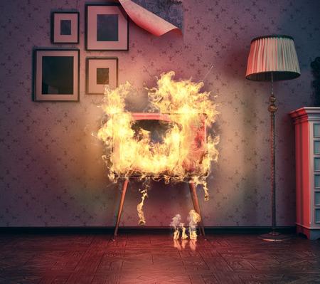 incendio casa: retro TV encendida en la antigua habitación. Las 3D Foto de archivo