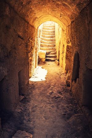 tumbas: Tumbas de los reyes - antigua necrópolis famosos. Distrito de Paphos, Chipre.