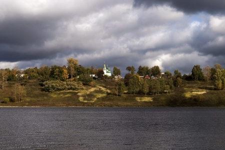 View of the Volga in Tutaev, storm clouds, autumn Stock Photo - 15068894