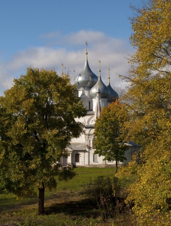 Holy Cross Cathedral  1658 , surrounded by trees in Tutaev, Golden Ring of Russia Stock Photo - 15068897