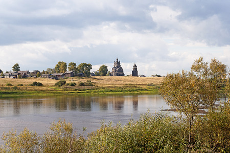 onega: Northern Russian village (Turchasovo) on the shore of the Onega River Stock Photo
