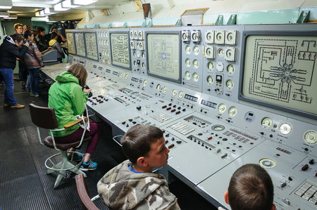 conducted: Murmansk, Russia, August 13, 2015. Tourists on the icebreaker Lenin. The post of Energy and vitality, which conducted control of the power of the vessel.