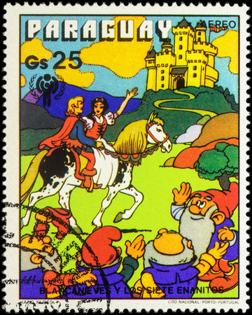 seven dwarfs: MOSCOW, RUSSIA - MAY 21, 2016: A stamp printed in Paraguay shows Prince and Snow White, series International Year of the Child - Grimms Fairy Tale Snow White  and the Seven Dwarfs, circa 1978 Editorial