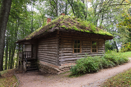 vaporarium: Wooden bathhouse in the village Trigorskoye, Pushkinskiye Gory Reserve, Russia Stock Photo