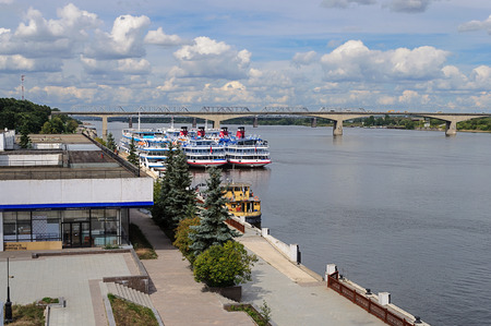 passenger ships: The Volga River and river station with passenger ships in Yaroslavl, Russia