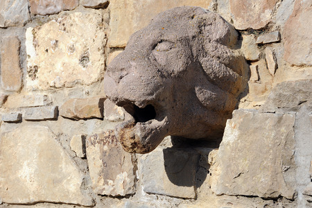 veliko tarnovo: Medieval lion bass-relief on the stone wall in the town of Veliko Tarnovo in Bulgaria