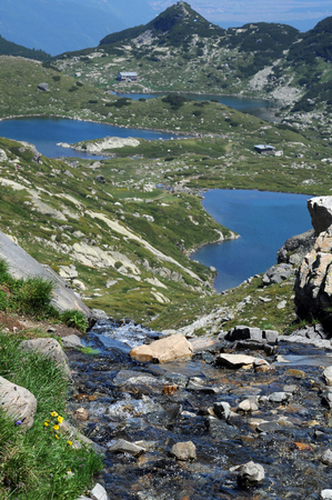 wildlife reserve: View of the creek, Twin and the Fish lakes in the Seven Rila Lakes Wildlife Reserve in Bulgaria