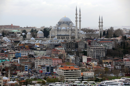 ISTANBUL, TURKEY - JANUARY 14, 2018: View of Suleymaniye mosque from Galata tower in the winter Redakční