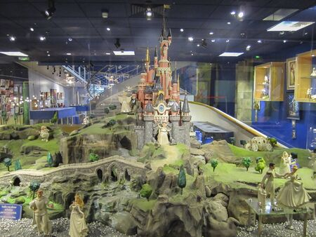 Visit the theme park of Disneyland Paris, composed of its different attractions, themed corners and shops or shows.