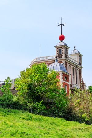 greenwich: Flamsteed House and Time Ball at Greenwich Observatory, London, UK
